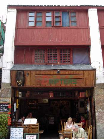 """Yangshuo specialty -""""beer fish"""" Drifters Cafe"""