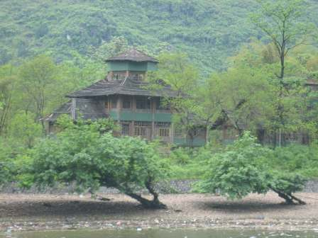 Xingping-Village-Ming-and-Q