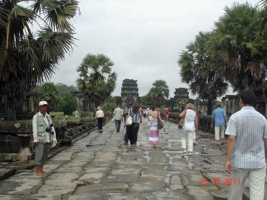 InnerCausewayNaga balistrade angkor wat Siem reap