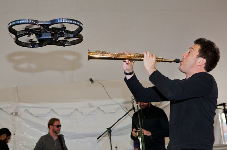 David Rothenberg plays saxaphone with drone.