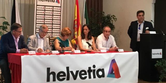 Firma del acuerdo de patrocinio entre Helvetia y el Arjonilla