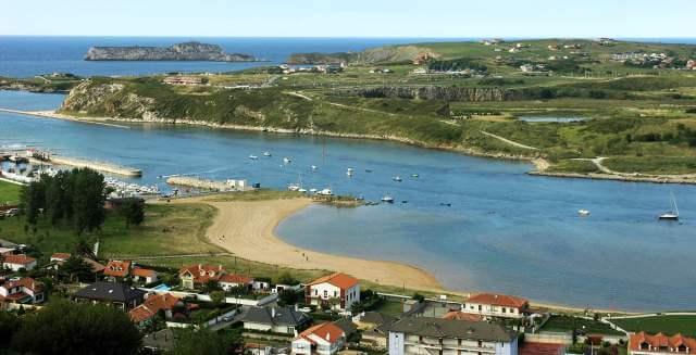 En Suances se encuentra la playa Riberuca