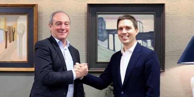 El CEO de Zurich en España, Vicente Cancio, y el de CoverWallet, Iñaki Berenguer