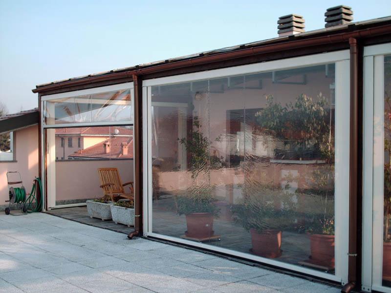 Le tende a rullo rappresentano le soluzioni per schermare le finestre di qualsiasi dimensione e soprattutto le vetrate oggi molto utilizzate, svariate le tipologie dei tessuti da noi utilizzati e le tipologie del sistema rullo. Chiusure Ermetiche Terranuovese Tende
