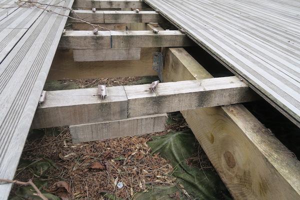 galeries des terrasses en bois ratees