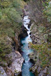 travel-slovenia-river