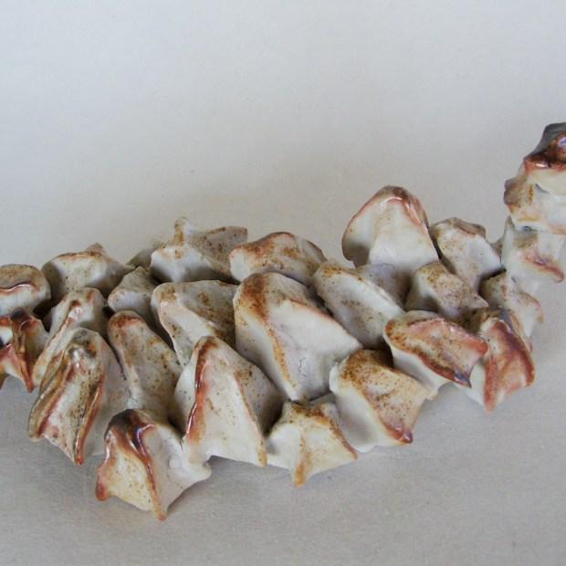 Dorsale | Manon Berthellot | Dorsale | Produit | 70,00€ | 6546 | sculpture céramique, pièce unique | Manon Berthellot | Terre et Terres | 10 décembre 2020