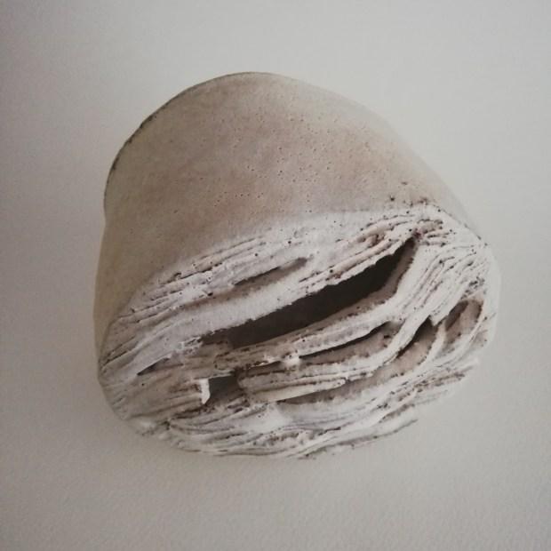 Passage 3.2   Sylvie Delphaut   Passage 3   Produit   120,00€   7291   Sculpture en grès roux et émail. Circulation du regard, passage de l'air, de la lumière, cheminement... diam: 14 cm, profondeur: 12 cm.   Sylvie DELPHAUT   Terre et Terres   11 décembre 2020