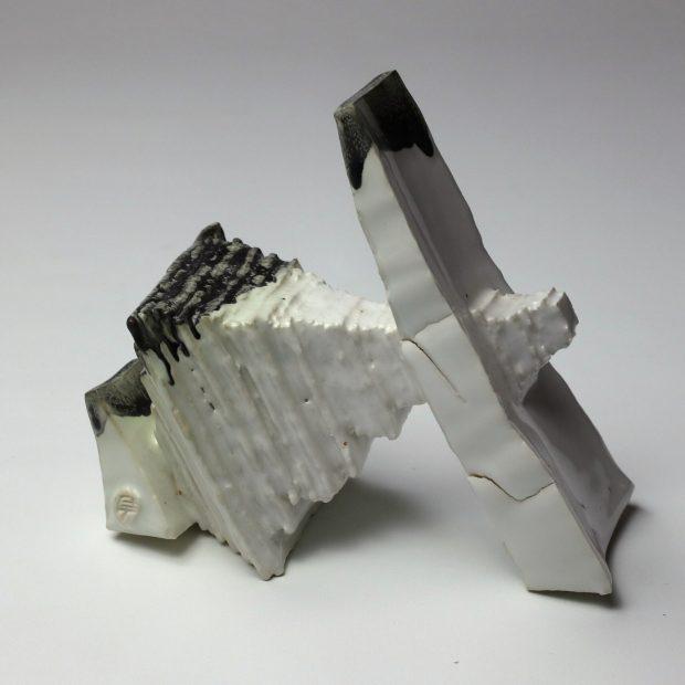 StoneWar 2 5 scaled | Eric Faure | StoneWar 2 | Produit | 120,00€ | 7241 | Sculpture en porcelaine émaillée | Eric Faure | Terre et Terres | 10 décembre 2020
