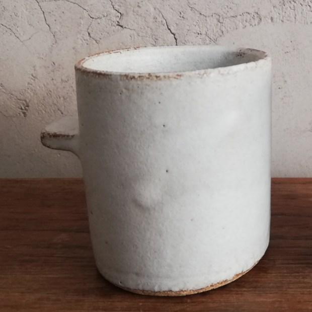 tasse t ocre   Sylvie Delphaut   tasse à café   Produit   18,00€   7296   tasse à café expresso. Grès roux, émail blanc satiné.   Sylvie DELPHAUT   Terre et Terres   11 décembre 2020