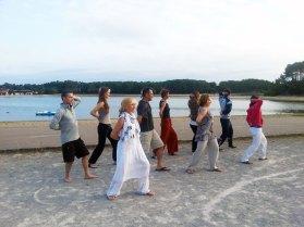 Cours de Qi Gong au lac marin du Port d'Albret, avec Terre d'Asie lors du stage d'été