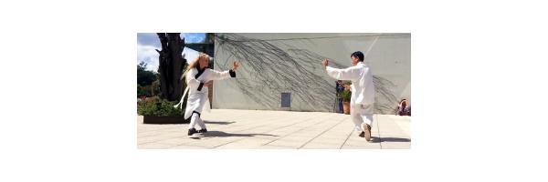 Démonstration bagua avec Maitre Zhang-Kunlin et Catherine-Bousquet