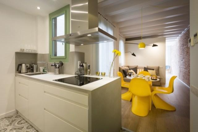 distribución abierta y funcional. cocina salon
