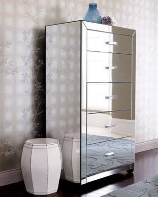como decorar un espacio pequeño. mueble de espejo