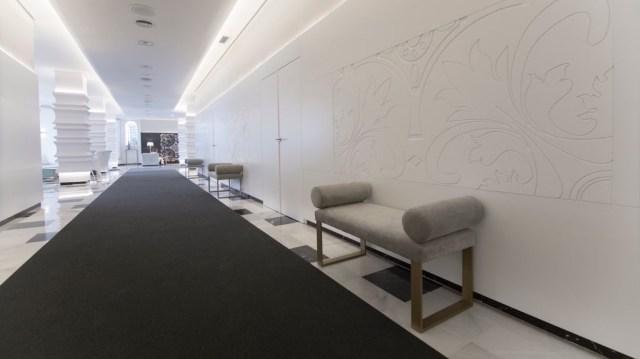 diseño de interiores hotel Monte Triana. panel pantografiado