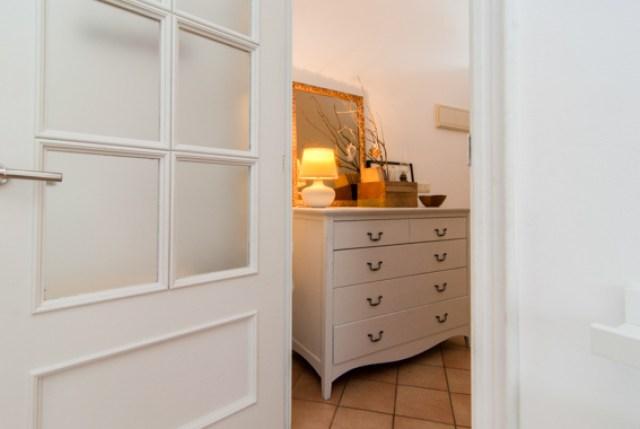 diferentes ambientes en un mismo espacio. dormitorio
