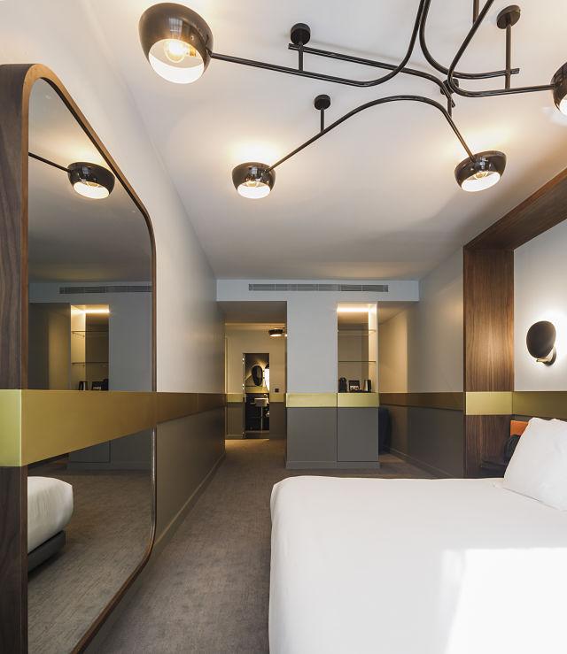 Decoración de habitación de hotel Marquis Issabel's