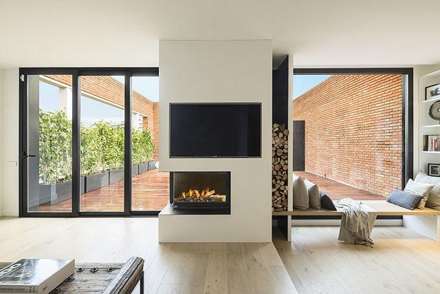 Idea interior de salón conectado con terraza