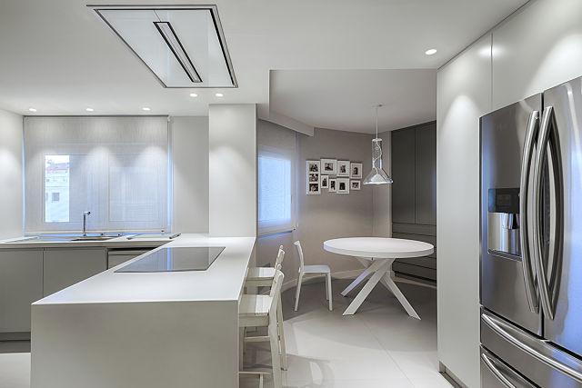 Muebles de cocina en reforma de vivienda en Valencia