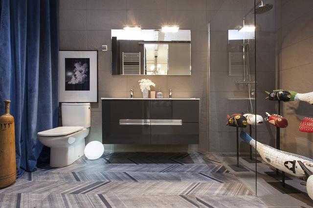 Decoración de apartamento con baño funcional