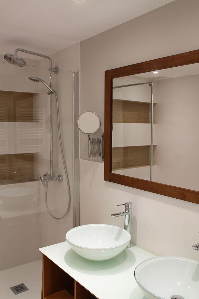 Diseño de interiores nórdico en baño principal