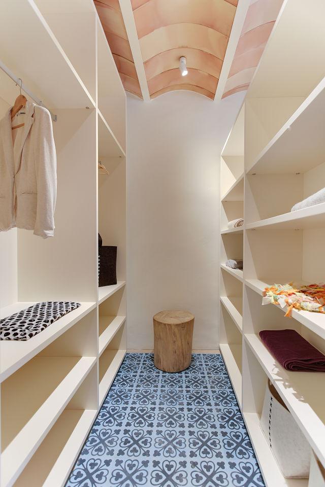 Reforma interior de vestidor de casa en Gerona