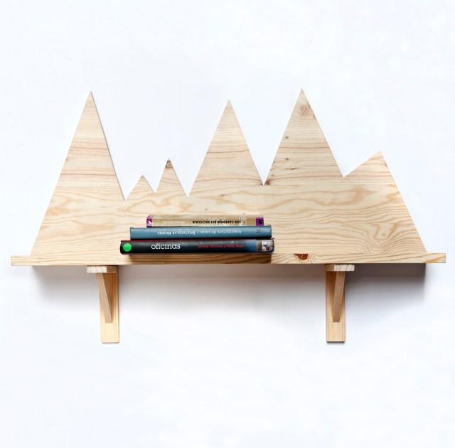 Estantería de madera reciclada de Artilujos