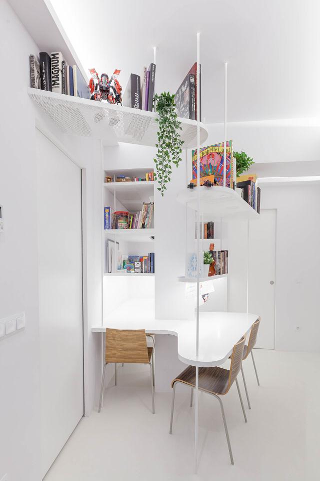 Bblioteca de diseño en espacio de trabajo en casa