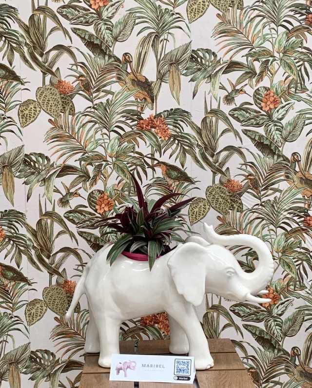 Elefanta Maribel de Guille García-Hoz con territorio deco en Marbella Design Fair