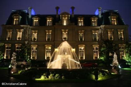 Saint James Paris facade nuit TerroirEvasion.com