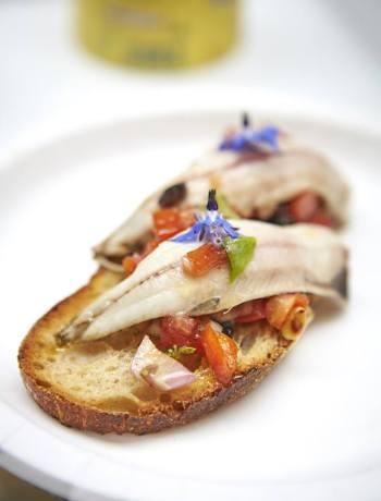 Tartine-sardines-sauce-vierge-citronnee-Nicolas-Bottero-Simogas TerroirEvasion.com