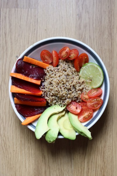 Buddha bowl au quinoa et légumes croquants