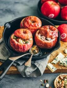 Pommes au four Pink Lady farcies aux fruits secs et fromage