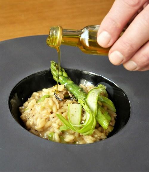 Risotto à la truffe d'été Plantin et asperges verte - huile truffée