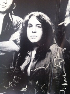 Dio in the gatefold of 'Rising'