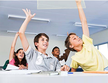 students_hands_up