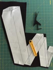 cutting-black-felt-to-w-shape
