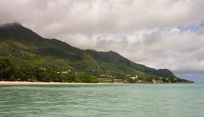 Ruige natuur en onstuimige zee