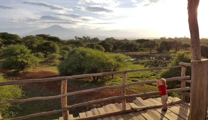 Uitzicht vanaf de hoge uitkijktoren over het privé-reservaat van Ndarakwai