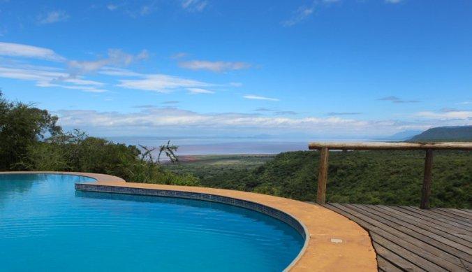 Zwembad met uitzicht over Lake Manyara en de Rift Vallei