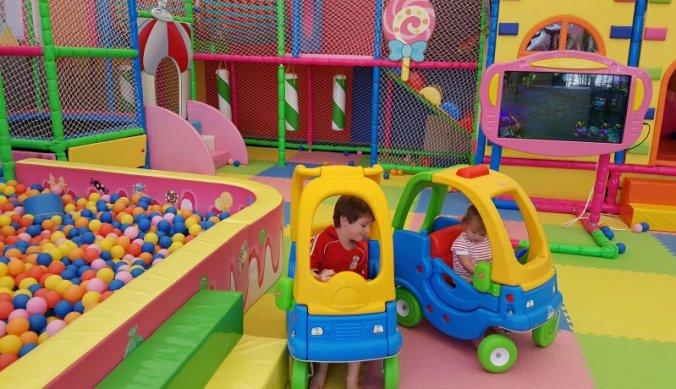 In de speeltuin tijdens de vakantie