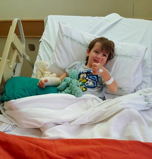 Na de operatie in het ziekenhuis Aga Khan Nairobi