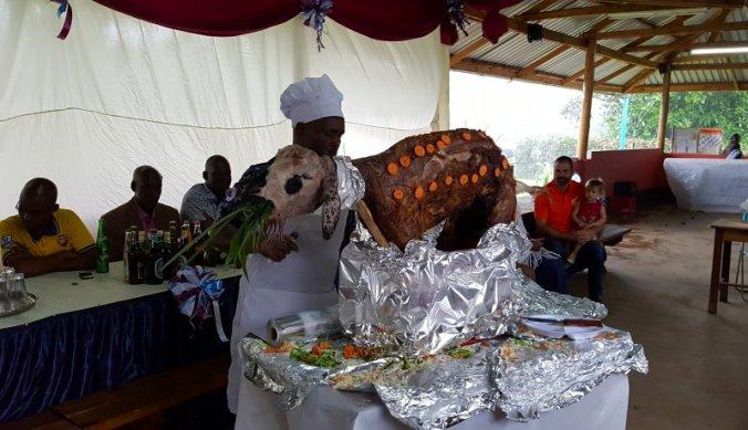 Geroosterde geit, Ndafu, voor het kerstfeest