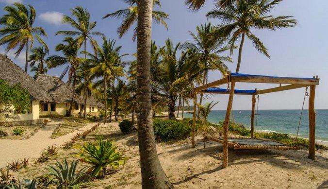 Strand bij The Tides Pangani in Tanzania