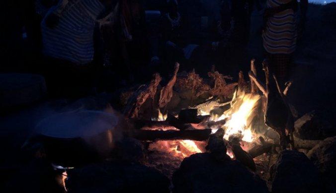 Geit op de barbecue van Maasai