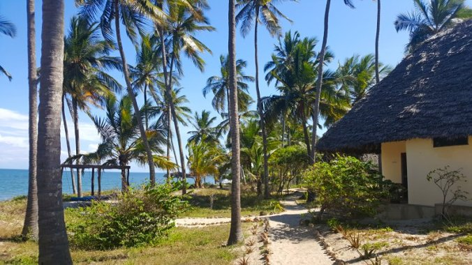 The Tides Lodge - bungalow aan strand van Pangani