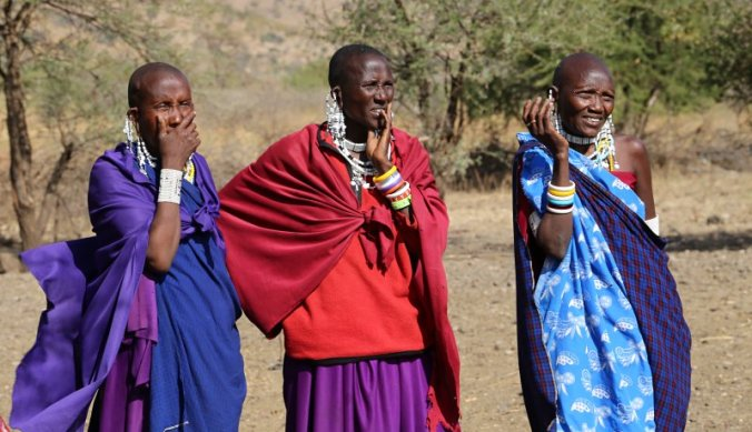 Maasai vrouwen in boma