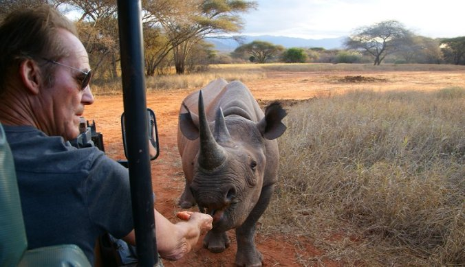 Tony Fitzjohn en de neushoorns in Mkomazi National Park