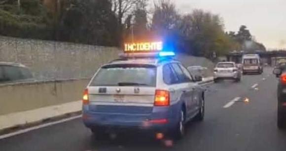 Incidente sulla Roma-Civitavecchia: tre feriti e un chilometro di coda sulla A12