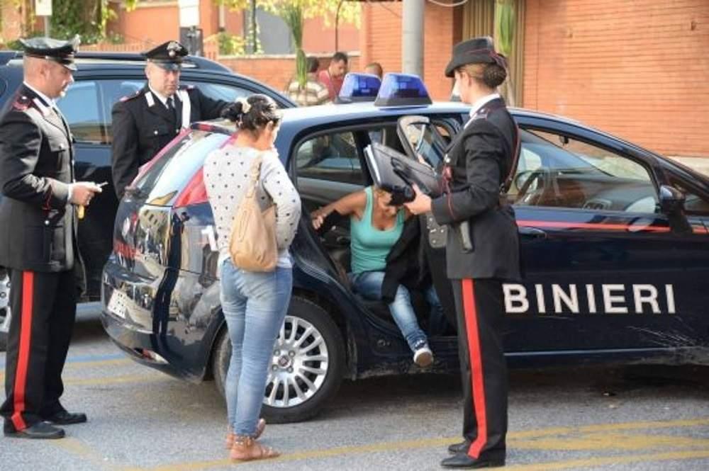 Oriolo, arrestata ladra rom dai carabinieri: aveva svaligiato un appartamento